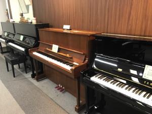 ピアノを見に行こう♪弾いてみよう♪