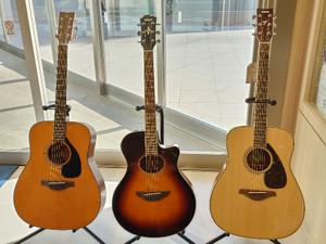 展示ギターのご案内♪