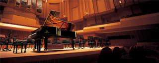 Pianos_1200x480_a5c44adaf700e61f91a